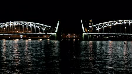 night view of the drawbridge of Peter the Great in St. Petersburg Stock mozgókép