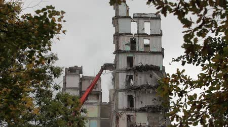 destroyed building : Timelapse  demolition machine