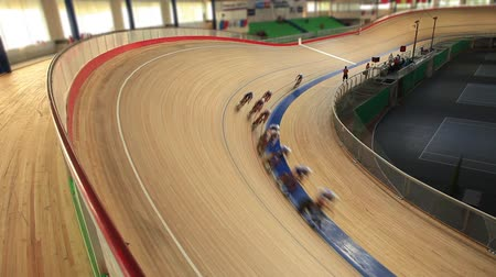 bisiklete binme : Pursuit Cycling Indoor track Film Tilt