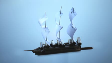 żaglowiec : Paper Sailing ship on a blue background