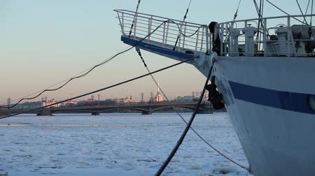 lanoví : ship in port of northern city In the winter