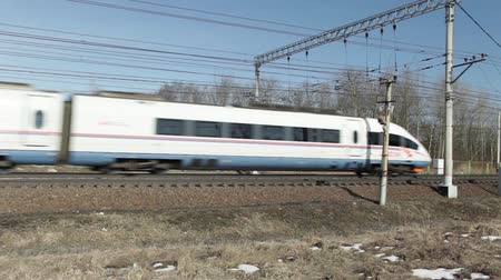 excesso de velocidade : April 22, 2017 St. Petersburg, Russian Railways high-speed passenger train Sapsan in motion