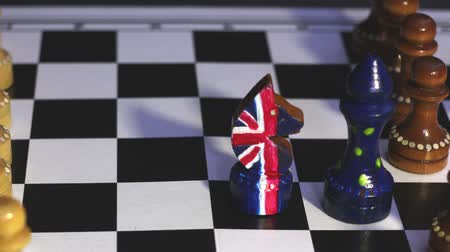 disintegration : Brexit, chess figures British and European confrontation, animation