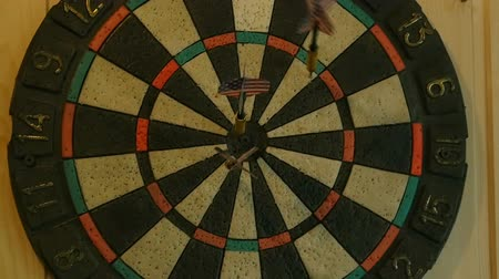 isabet : Darts hit the target, darts game, slow motion