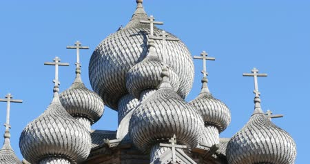 kupole : Wooden crosses over the dome of the church
