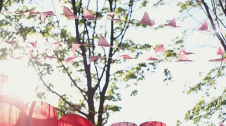 ditan : The hanging red lanterns and decorated stuff in the wind