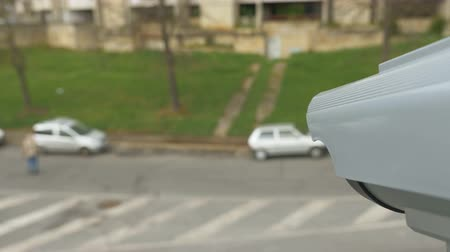 uznání : CCTV surveillance over street with left-hand traffic, modern facial recognition and vehicle detection security camera Dostupné videozáznamy