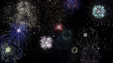 čtvrtý : Colorful firework lights in the night sky Dostupné videozáznamy