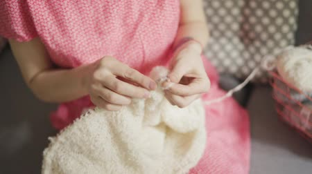 svetr : Knitting woman hands making wool clothes. Woman leisure knitting needles yarn. Close up female hands making knitted texture from wool thread