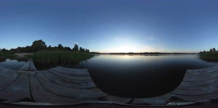 grãos : 4k 360 vr video. Landscape timelapse of beautiful sunrise sky over lake