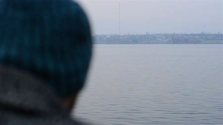 anlamı : Yearning the guy looking at the river