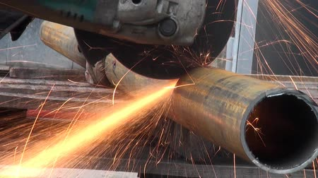 trubka : Cutting metal pipe Electrical tools
