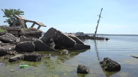 dry zone : Wreck off the coast cargo ship disaster Stock Footage