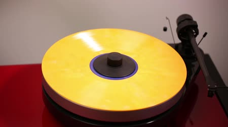 romênia : Record of audio record player.