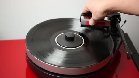 gramophone : Vinyl disc before playing it.