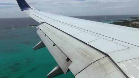 bermudas : View over Bermuda Islands during aircraft landing. Beautiful turquoise water. Gorgeous nature landscape backgrounds.