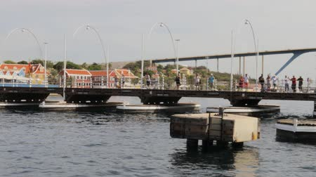 Beautiful view on pontoon The Queen Emma Bridge across St. Anna Bay in Cura?ao. Willemstad. Curacao. 09092019. Wideo