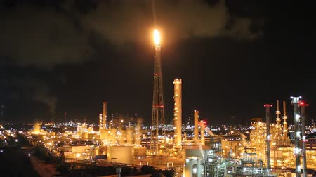 rafineria : Night scene of petrochemical plant , Eastern of Thailand Wideo
