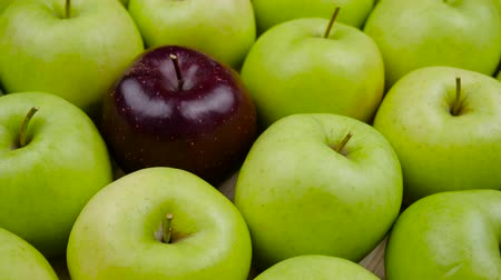 grande quantidade : Apples Fresh nature background. Natural Apple harvest from tree. Grocery store, department of fruits and vegetables.