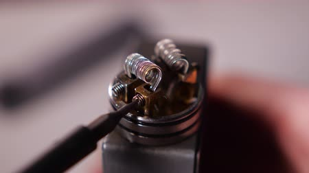 sigara : Vape Macro, Coil Change In Rda Atomizer For Vaping , E-Cigarette Stok Video