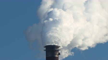 ścieki : Environmental problem. Chimney pollution pipes with grey smoke from coal power plant.