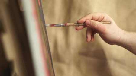 canvas : Artist painting brush