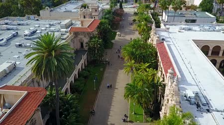 přidání : San Diego Balboa Park - Drone Video  Balboa Park is a 1,200-acre urban cultural park in San Diego, California, United States. In addition to open space areas, natural vegetation zones, green belts, gardens, and walking paths Dostupné videozáznamy