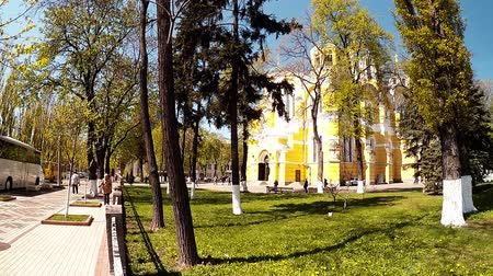 бульвар : Panoramic shooting, Vladimir Cathedral in the park, Kiev, Ukraine