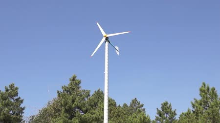 Triple Blade Wind Turbine Wideo