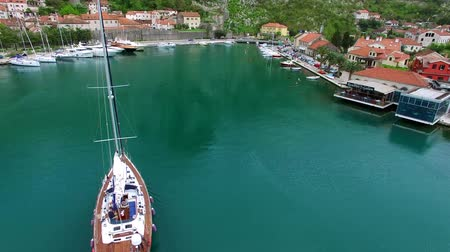 адриатический : Sailboat near the old town of Kotor, Bay of Kotor, Montenegro