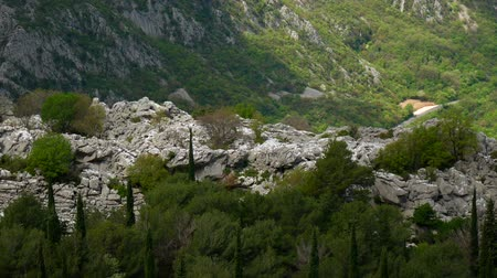кемпинг : Mountain on day in Montenegro. Стоковые видеозаписи