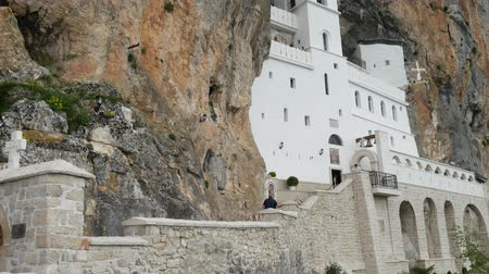 sérvia : Ostrog monastery in Montenegro. The unique monastery in the rock.