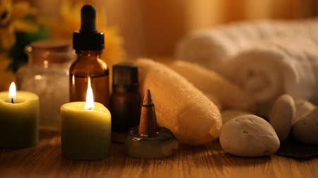 ароматерапия : Spa massage oil with treatments spa Стоковые видеозаписи