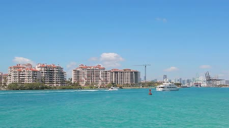 View of Fisher Island in Miami, Florida 影像素材
