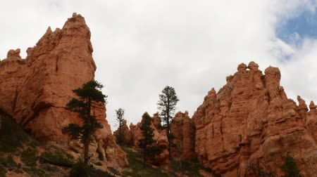 populair : Time lapse beelden van Cloudscape in Bryce Canyon National Park Stockvideo