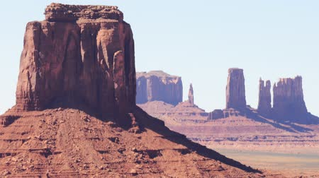 kmenový : Time lapse footage of eroded buttes in Monument Valley