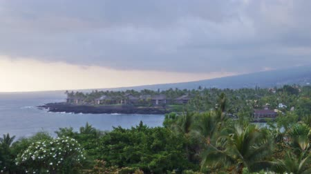 monszun : Time lapse footage of cloudscape during sunset at Kona