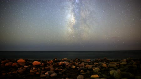 relaks : Motion Control Dolly Astro Time Lapse of Milky Way Seascape -Tilt Up- Wideo