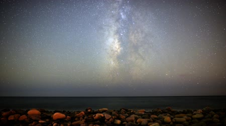 relaks : Motion Control Dolly Astro Time Lapse of Milky Way Seascape Wideo