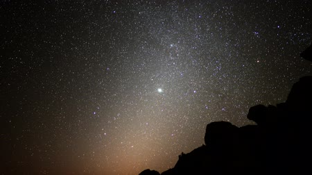 natura : Astrophotography Time Lapse Night to Day in Desert Pan Wideo