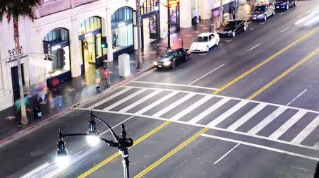 tiyatro : Hollywood Night Time Lapse The Boulevard Pan Across Crosswalk