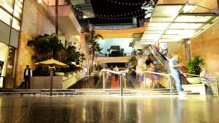 tiyatro : Hollywood Night Time Lapse Mall Stairs Tilt Down Stok Video