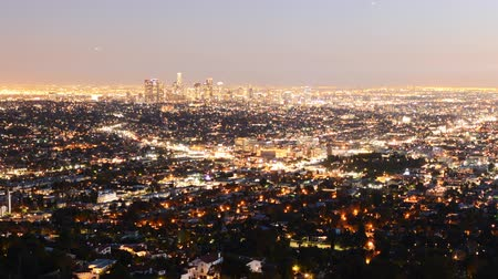 Калифорния : Downtown Los Angeles Skyline Twilight Time Lapse Zoom Out