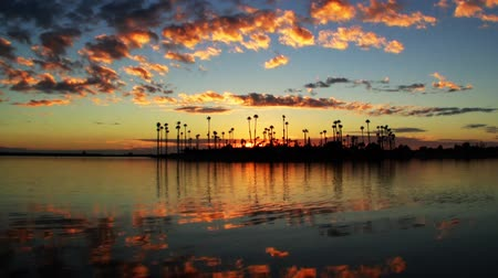 nostalgisch : Sunset Time Lapse van Lagoon Island Stockvideo