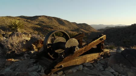 bouldering : Mining Tool at Sunrise in Joshua Tree Time Lapse