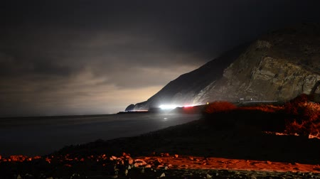 léčit : Beach Time Lapse by Highway at Night Dostupné videozáznamy