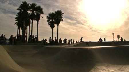 hippie : Venice Beach Skateboarders Time Lapse