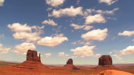 sagrado : Time Lapse of the Classic View in Monument Valley Vídeos