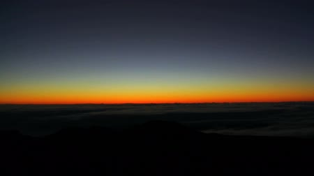 ostrovy : Time Lapse of Sunrise at Mauna Kea Summit in Hawaii Dostupné videozáznamy