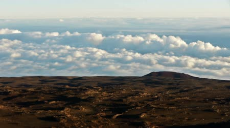stoupat : Time Lapse of Sea of Clouds atop Mauna Kea Summit in Hawaii
